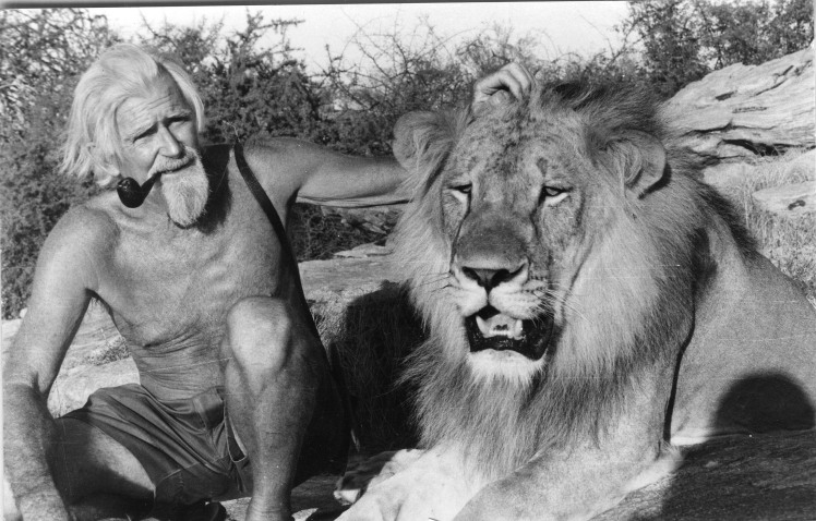 george-adamson-and-lion