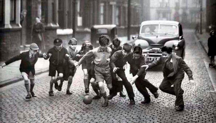 football-kids-street