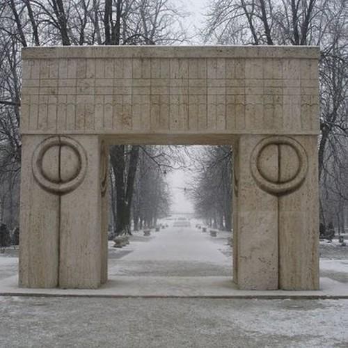 Poarta-Sarutului-2