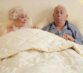 old-couple-bed