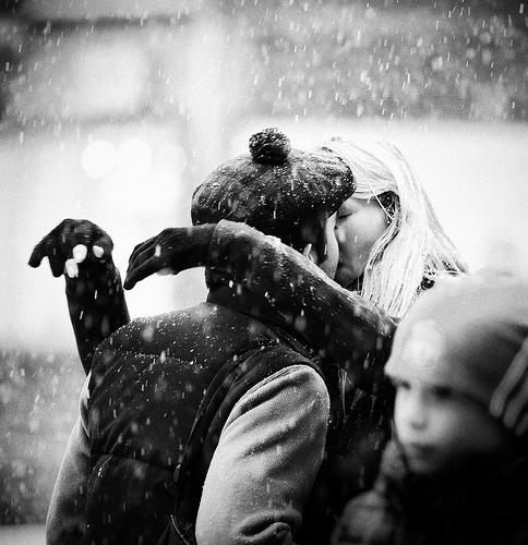 snow-kiss