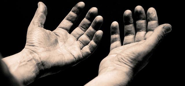 hands-open