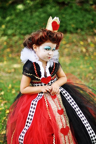 queen-of-hearts-costume