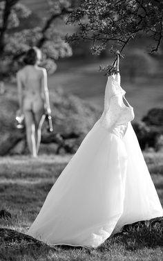 bride-naked