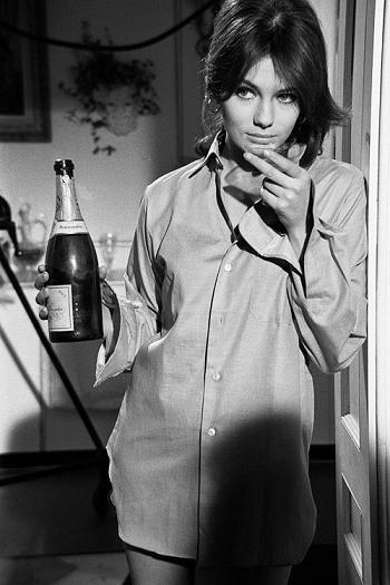 champagne Jacqueline Bisset