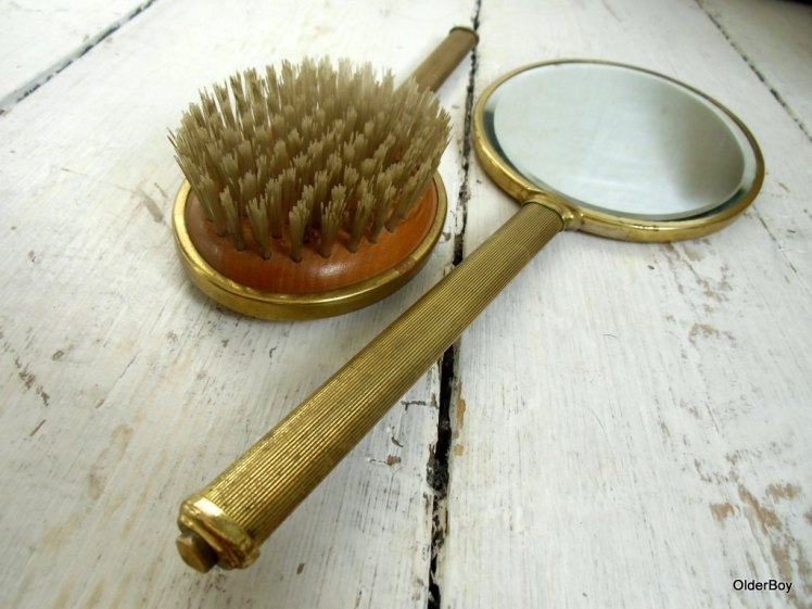 mirror-and-brush