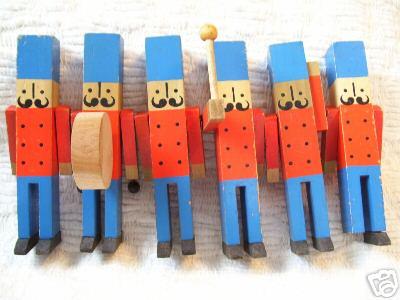 wood soldiers